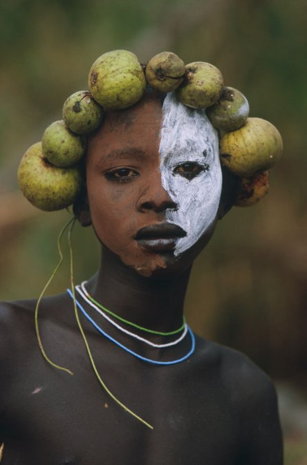 https://maryburnsblog.files.wordpress.com/2014/05/african-woman-hans-silvester.jpg?w=444