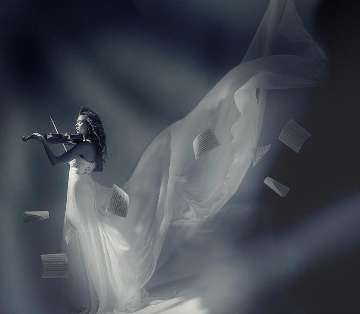 Image from deviant.art, http://ladymartist.deviantart.com/art/heart-violin-player-draft-217130477
